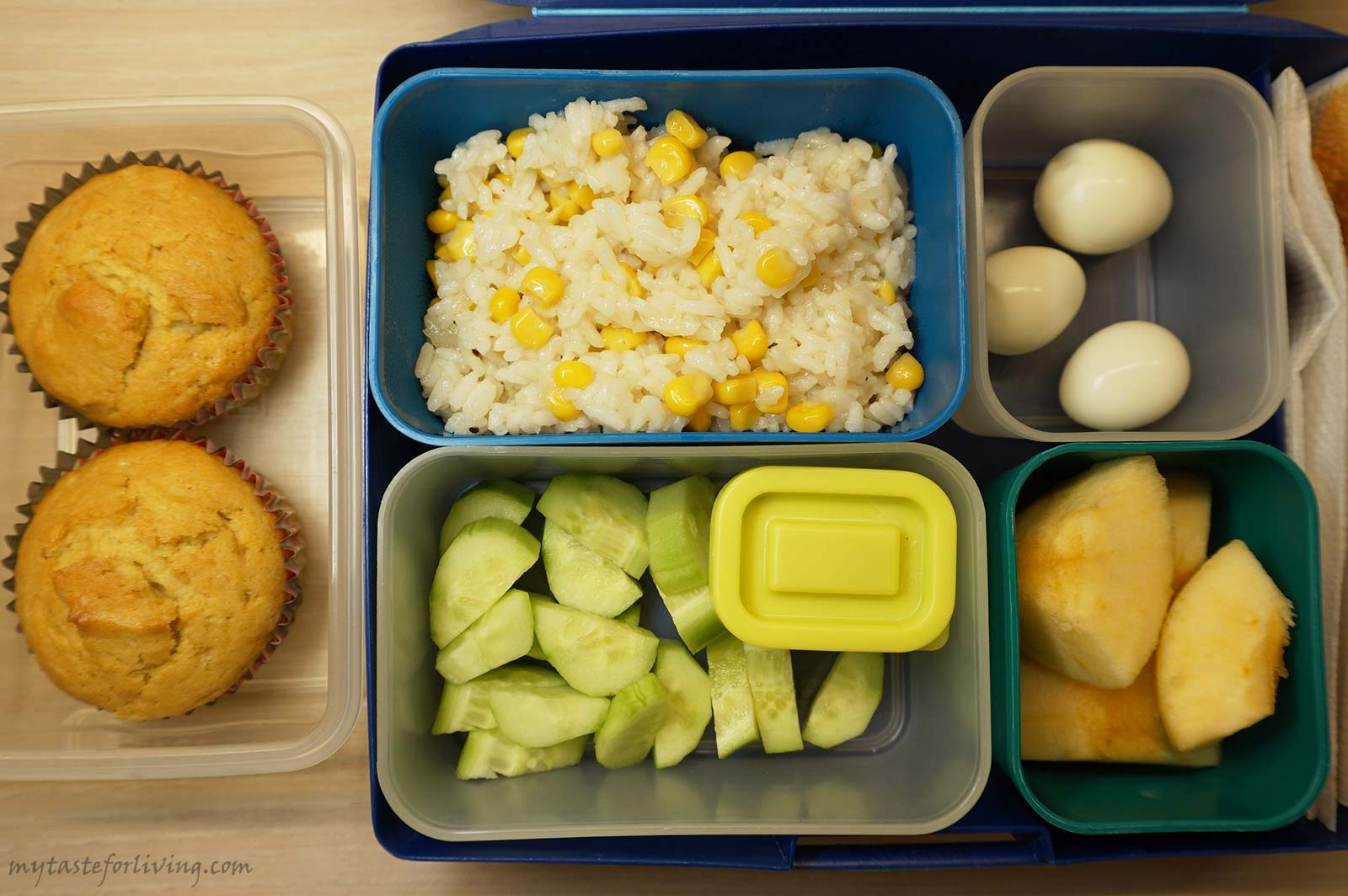 "In the series ""5 Ideas for homemade food for school"" I share the lunchboxes of food that I send to my son, who is currently in 2nd grade. This is a sample weekly menu with photos and a description of the contents of the lunchboxes. You can also find links to recipes that I have posted on the site."