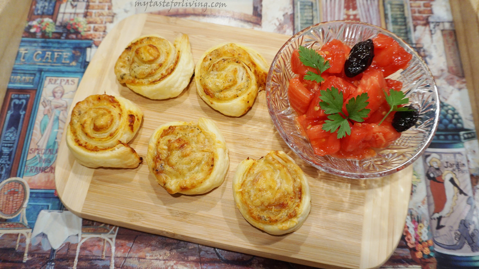 Quick and delicious pizza snails from puff pastry.